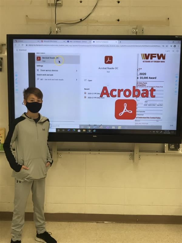 CRMS Humanities Student Creates Tutorial to Assist Peers with Adobe Acrobat's Signature Feature