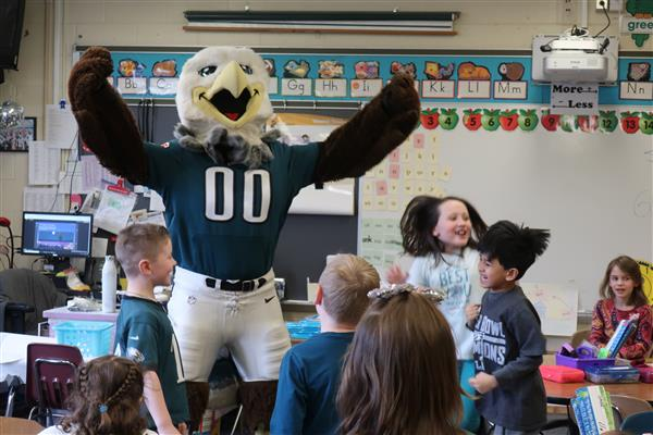 Eagles Mascot Swoop Surprises Wedgwood Elementary School First-Graders